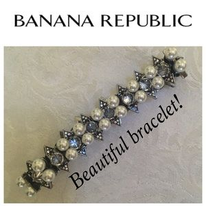Banana Republic Pearl and Crystal Bracelet